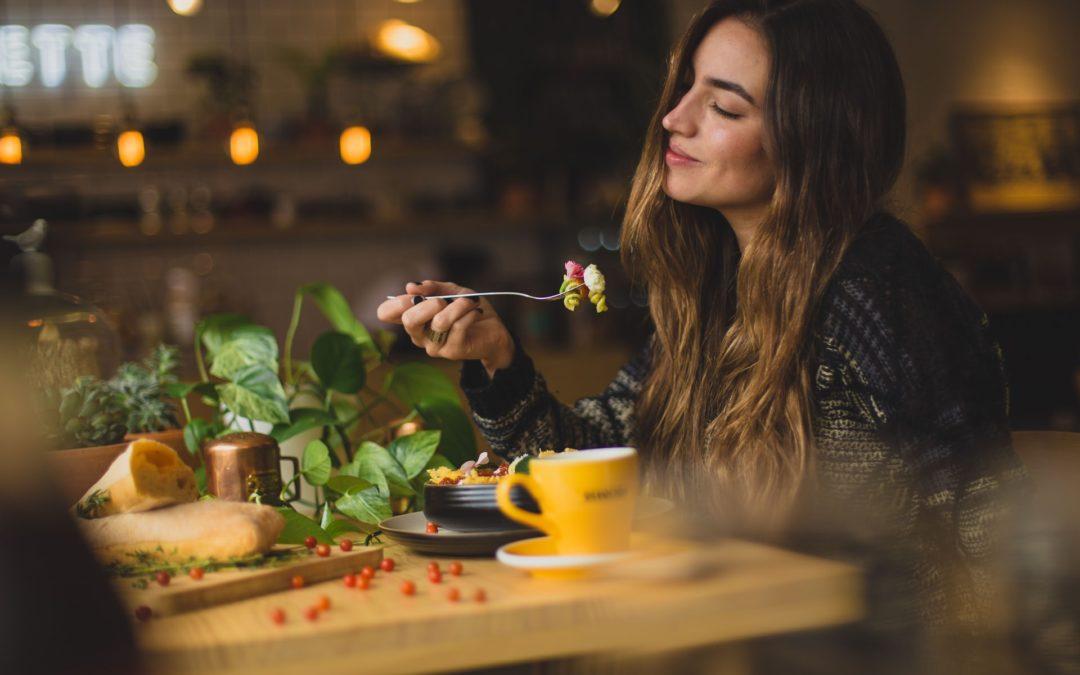 Van strijd naar rust in voeding: een intro in intuïtief eten